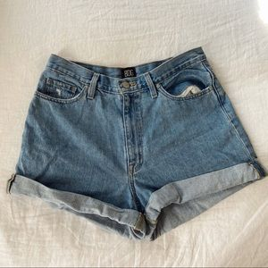 BDG mom short - light wash
